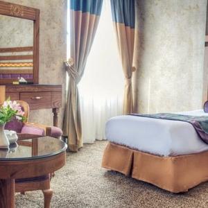 aryo-barzan-hotel shiraz